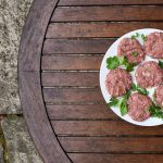 Homemade burgers for the barbecue season - fiveforafiver