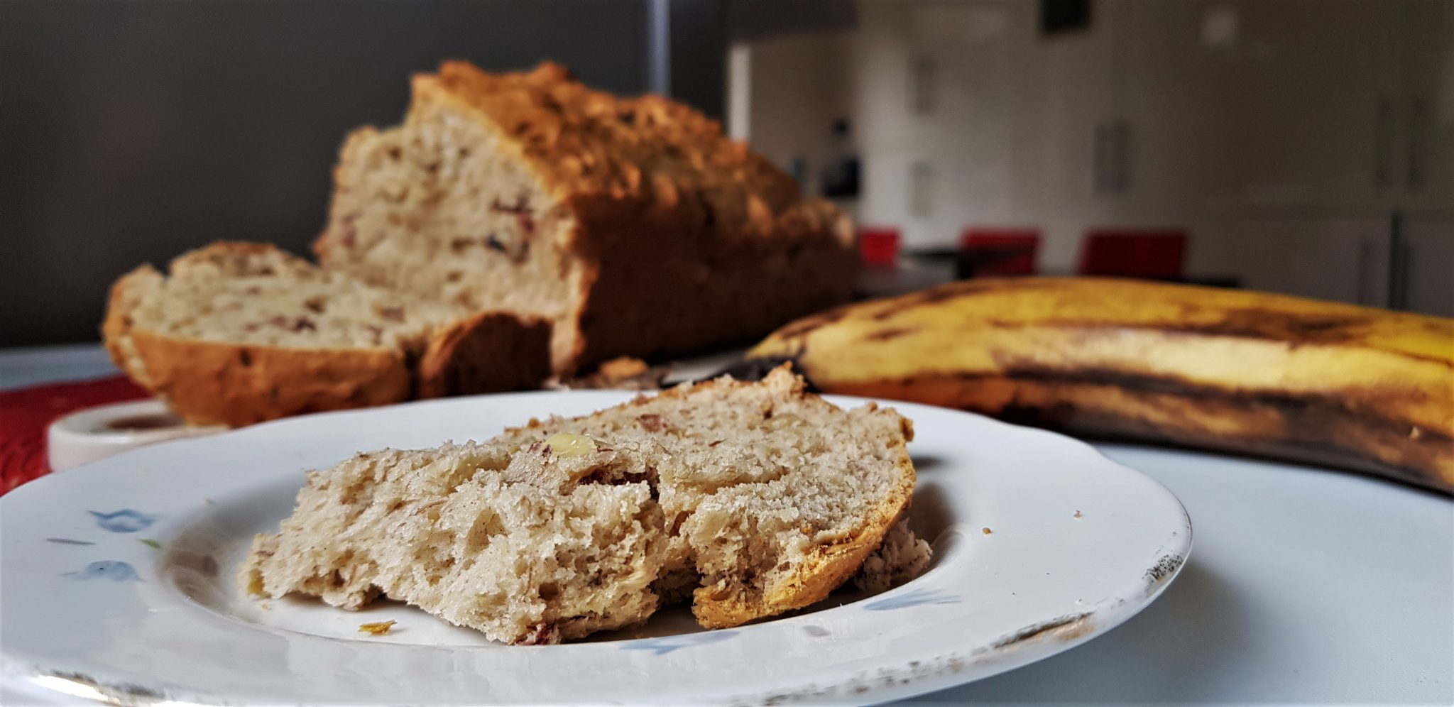 5-ingredient vegan banana bread - five for a fiver