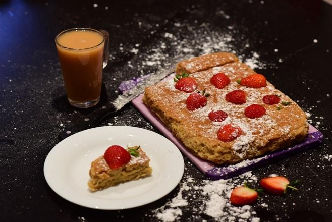 Slow cooker Raspberry Cake!